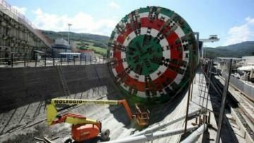 L'inversione a U di Martina, la fresa da 4.500 tonnellate