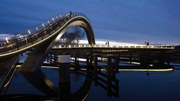 """Next e Rietveld Landscape per il ponte della """"Via lattea"""""""