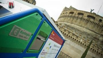Conclave: fumata 'solare' per i rifiuti dei pellegrini