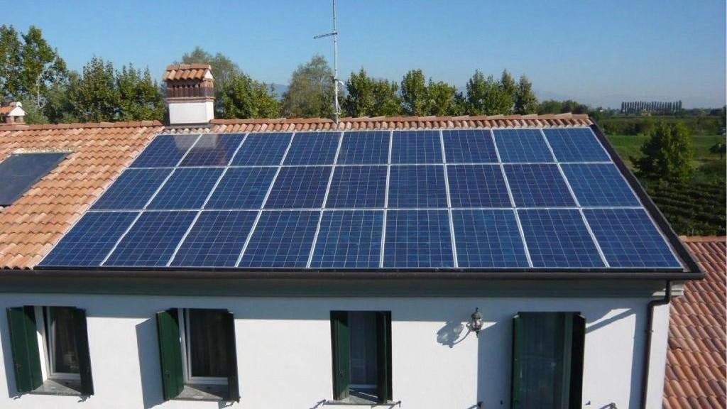 Detrazione irpef 50 sul fotovoltaico bonus per le for Acquisto box pertinenziale detrazione 50 agenzia entrate