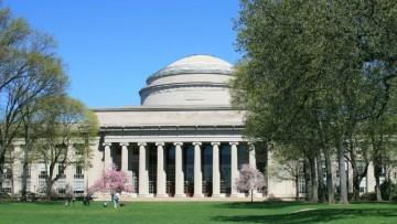 Per nove giovani ingegneri, formazione d'eccellenza in Nord America