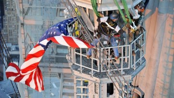 Posata la spira del One World Trade Center