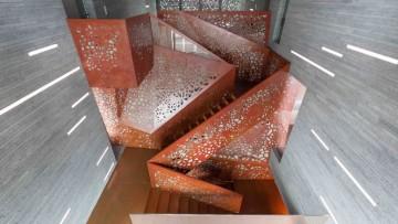 La scala illuminata di Arup che sfida le regole della progettazione