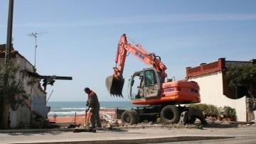 Demolizione di immobili abusivi, il Governo pronto a investire 10 milioni