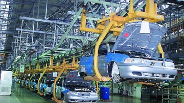 Istat, produzione industriale: calo generale a giugno 2013, ma si rivede l'auto