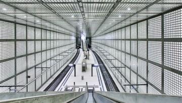 Vetro retro-illuminato per la nuova stazione metropolitana di Lipsia