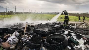 Terra dei fuochi: e' reato la combustione di rifiuti