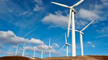 Energie rinnovabili, crollano gli investimenti: Italia peggiore al mondo