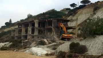 Abusivismo edilizio, nel 2013 26mila immobili fuorilegge