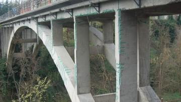 Il consolidamento statico e sismico di un ponte degli anni Cinquanta