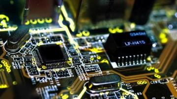 Elettrotecnica ed elettronica, le imprese rientrano in Italia