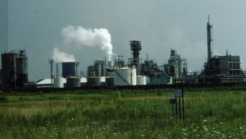 Porto Marghera verso la chimica verde: firmato l'accordo Eni – Mise