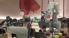 YuMi, il robot collaborativo che rivoluzionera' l'elettronica