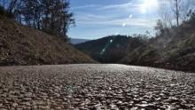 Calcestruzzo drenante Drainbeton per la pista ciclabile sul Monte Mesa