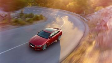 Jaguar XE: la tecnologia dell'alluminio in puro stile British