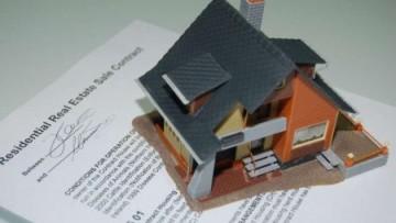 Immobiliare: frenano le compravendite