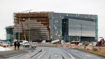 Pelle super-tecnologica in vetro e acciaio per la Harpa Concert Hall