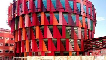 L'edificio eccentrico