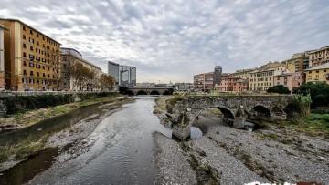 Effetto bomba: I 10 edifici che 'aumentano' i danni da frane e alluvioni
