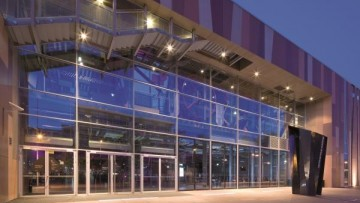 Le porte tagliafuoco vetrate BT FIRE inserite in facciata VISS FIRE EI60