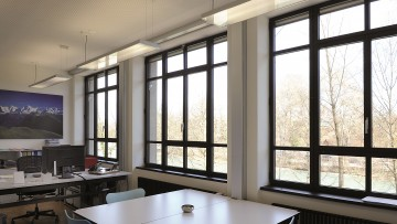 Sistemi in acciaio per finestre, facciate e coperture: Jansen Janisol Arte e Jansen Viss