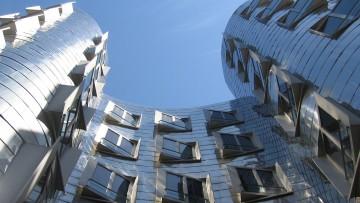 I materiali metallici per le facciate: caratteristiche e vantaggi