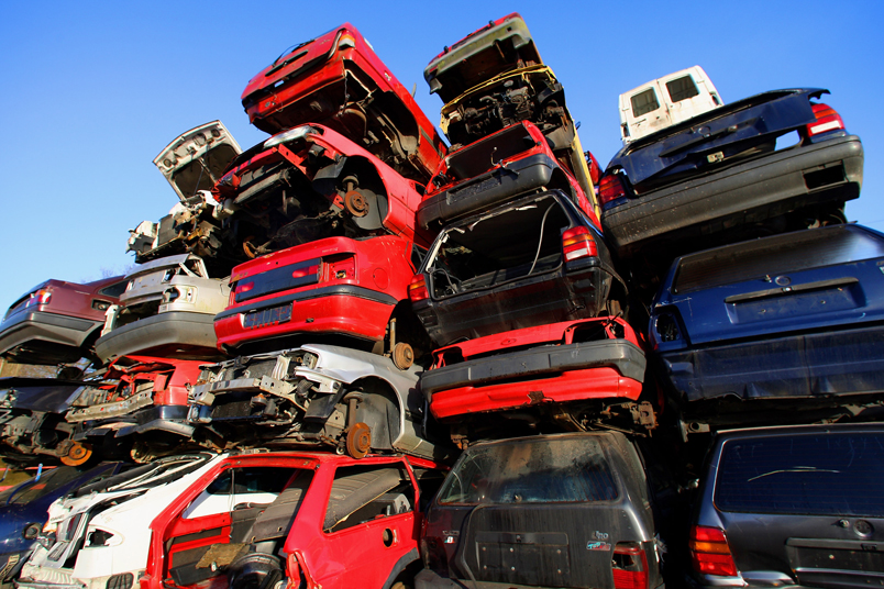 veicoli fuori uso_rifiuti pericolosi