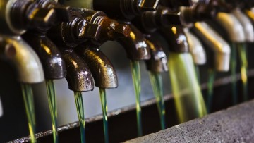 Oli usati: l'Italia riraffina molto più della media europea