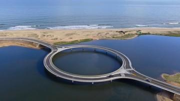 Perché il ponte 'a ciambella' di Rafael Viñoly in Uruguay ha questa forma?