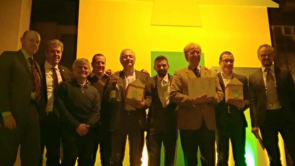 Il team BlackBox sul palco, insieme ai rappresentanti della giuria Klimahouse, la sera della premiazione