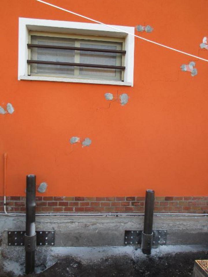 pali_piastre_crepe nel muro L