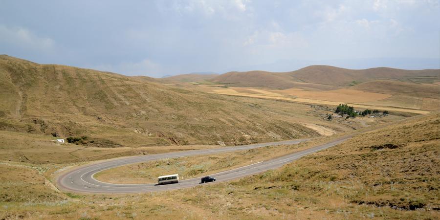 Esempio di tornante in Armenia (Fonte: Lotti)