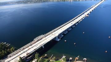 Il ponte galleggiante sul Washington Lake diventa ancora più grande