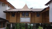 L'ampliamento strutturale di un hotel in legno in Trentino