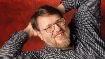 Addio a Ray Tomlinson, l'ingegnere che inventò la posta elettronica