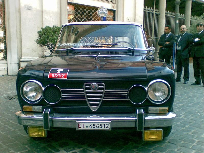 L'Alfa Romeo Alfetta, in dotazione all'Arma nel 1973