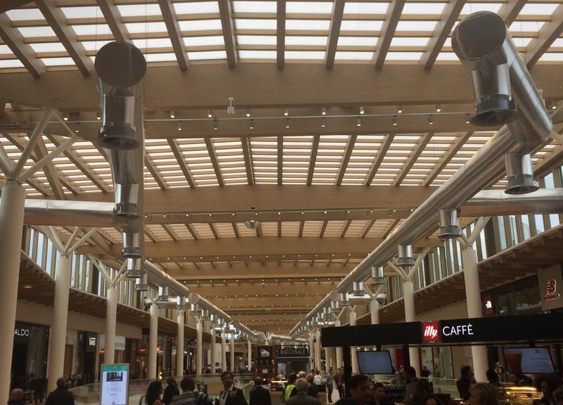 Centro commerciale di arese le grandi strutture for Strutture prefabbricate in legno