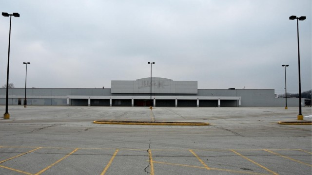 Randall Park Mall - Cleveland, OH - USA - ©Neal Rantoul