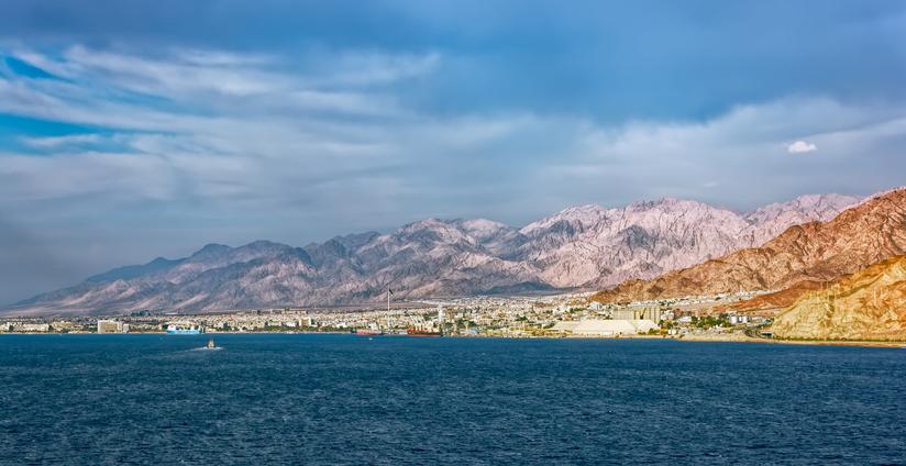 Veduta del waterfront e del porto di Aqaba, sul Mar Rosso