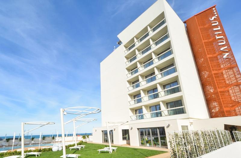 L'Hotel Nautilus di Pesaro, la struttura ricettiva in legno più alta d'Europa