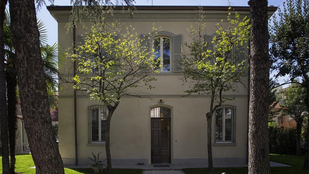 La facciata di Villa Cecchi a Rimini dopo l'intervento