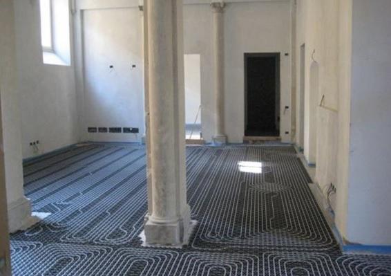 Sistema radiante a pavimento, riqualificazione edificio per uffici (Via Marsala, Brescia). Fonte: Uponor