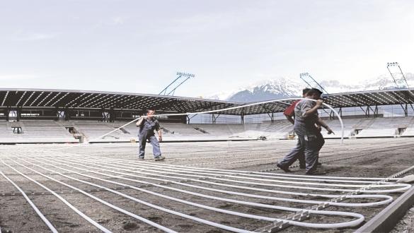 Sistema radiante a pavimento – stadio di calcio. Fonte: REHAU