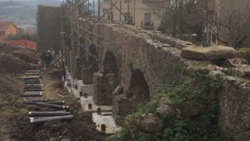 Consolidamento fondazioni di un antico acquedotto romano con micropali precaricati in acciaio Systab