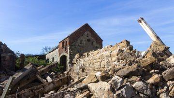 I meccanismi locali di dissesto, causa del collasso degli edifici storici