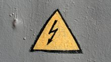 Protezione da fulmini in cantiere: normativa e valutazione del rischio