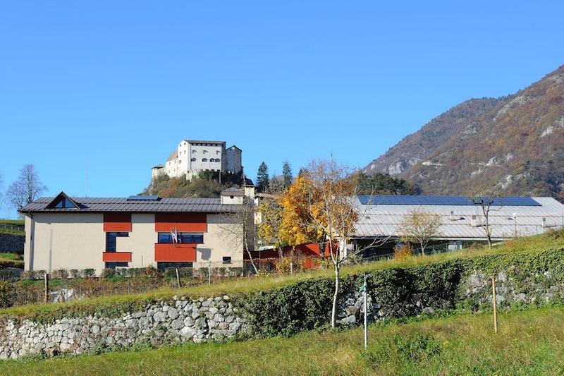 La Scuola a Stenico, esempio di edificio monitorato sismicamente 'real time' -  Foto Maurizio Corradi