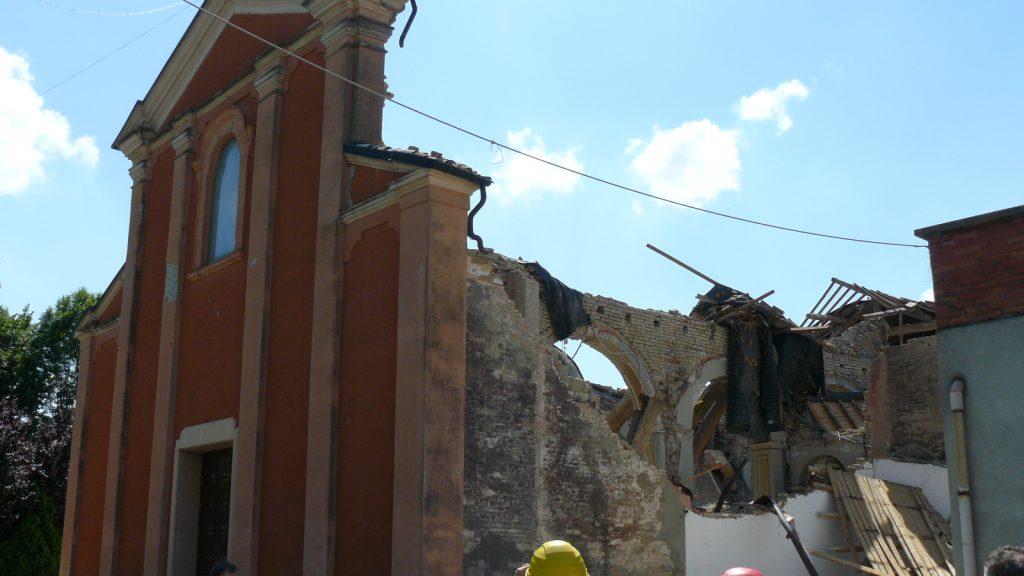 Crollo di una chiesa a seguito di un sisma (Foto Federica Ottoni)