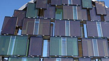Celle solari a perovskite, scoperto un materiale che contrasta l'invecchiamento