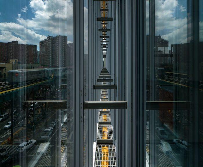 Il dettaglio del curtain wall del  Jerome L. Greene Science Center della Columbia University, progettato da Renzo Piano
